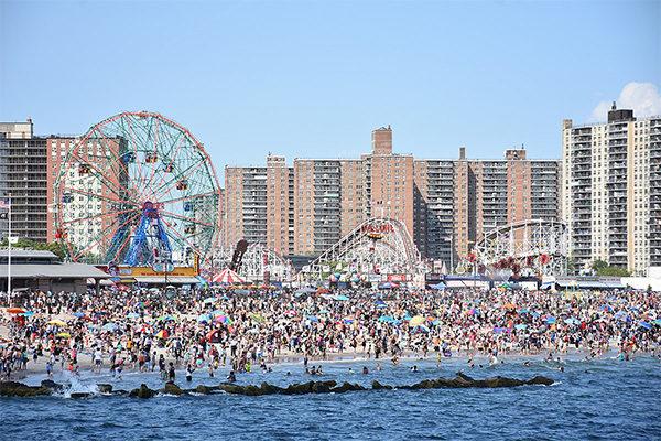 Coney Island กับขบวนพาเหรดสุดตระการตา